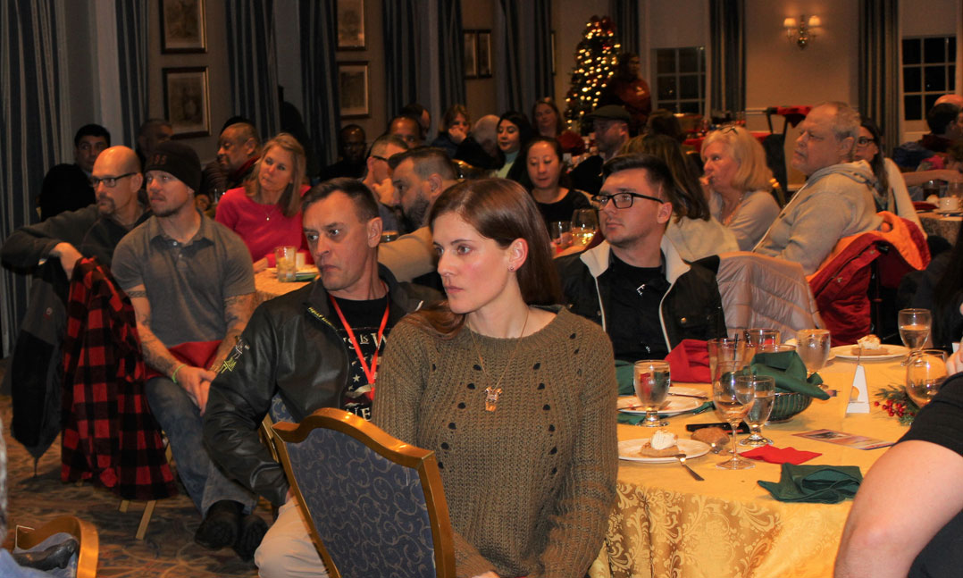 Wounded warriors and their families gather for a VFW-hosted dinner